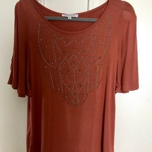 Stylish BLOUSE with great front metallic design!